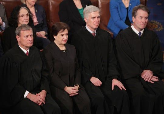 John Roberts, Elena Kagan, Neil Gorsuch y Brett Kavanaugh, jueces de la Corte Suprema.