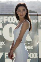 La actriz estadounidense Christian Serratos de la serie de televisión dramática de terror estadounidense The Walking Dead posa durante una sesión fotográfica en San Diego, California, EE. UU.