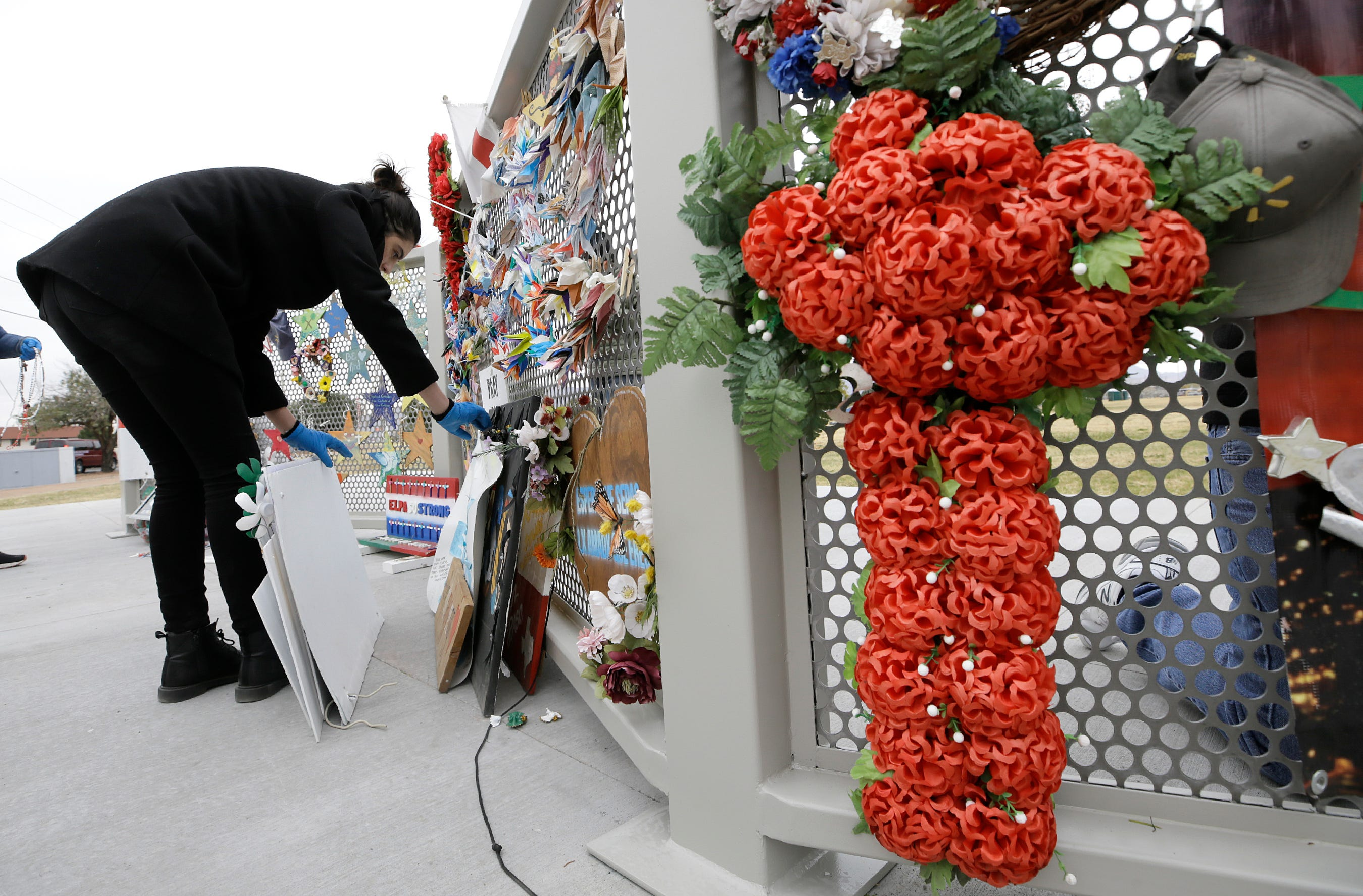 City removes mass shooting memorial before Walmart reopening