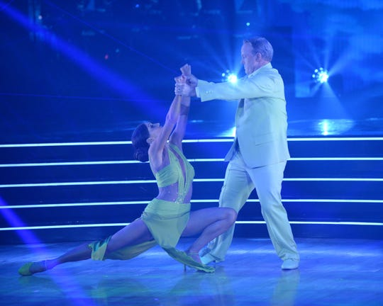Jenna Johnson went down during the dance, but ultimately Spicer went down on the dance show.