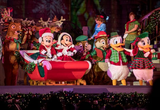 New to the Cinderella Castle Forecourt Stage during Mickey's Very Merry Christmas Party, Mickey and his pals host some of their friends for an unforgettable Christmas soiree filled with medleys of classic and contemporary holiday songs.