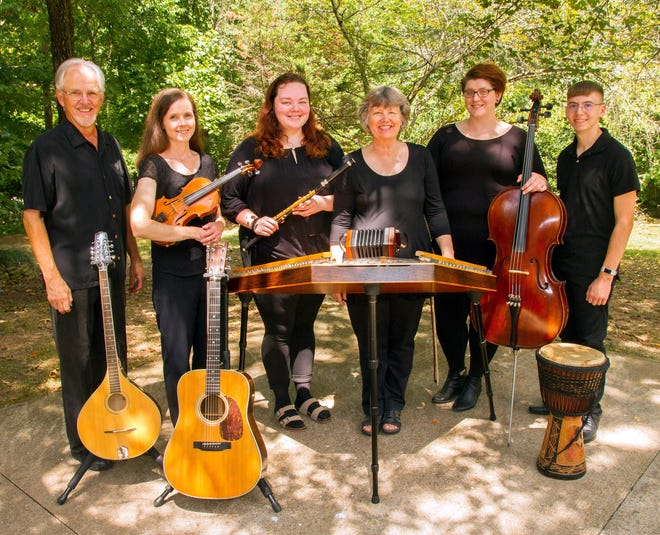 """Performing traditional holiday tunes and carols with a Celtic flair, Red River Breeze will present """"Joy to the World!"""" at the Roxy Regional Theatre on Sunday, December 8, at 2:00pm."""