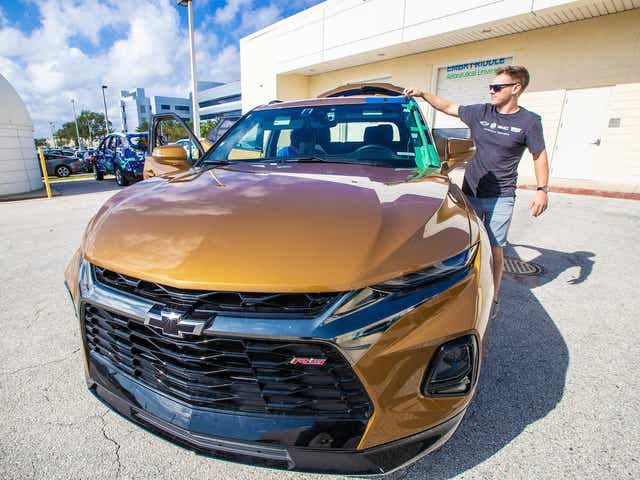 Gm Is Hiring But Not For Traditional Gasoline Powered Vehicles