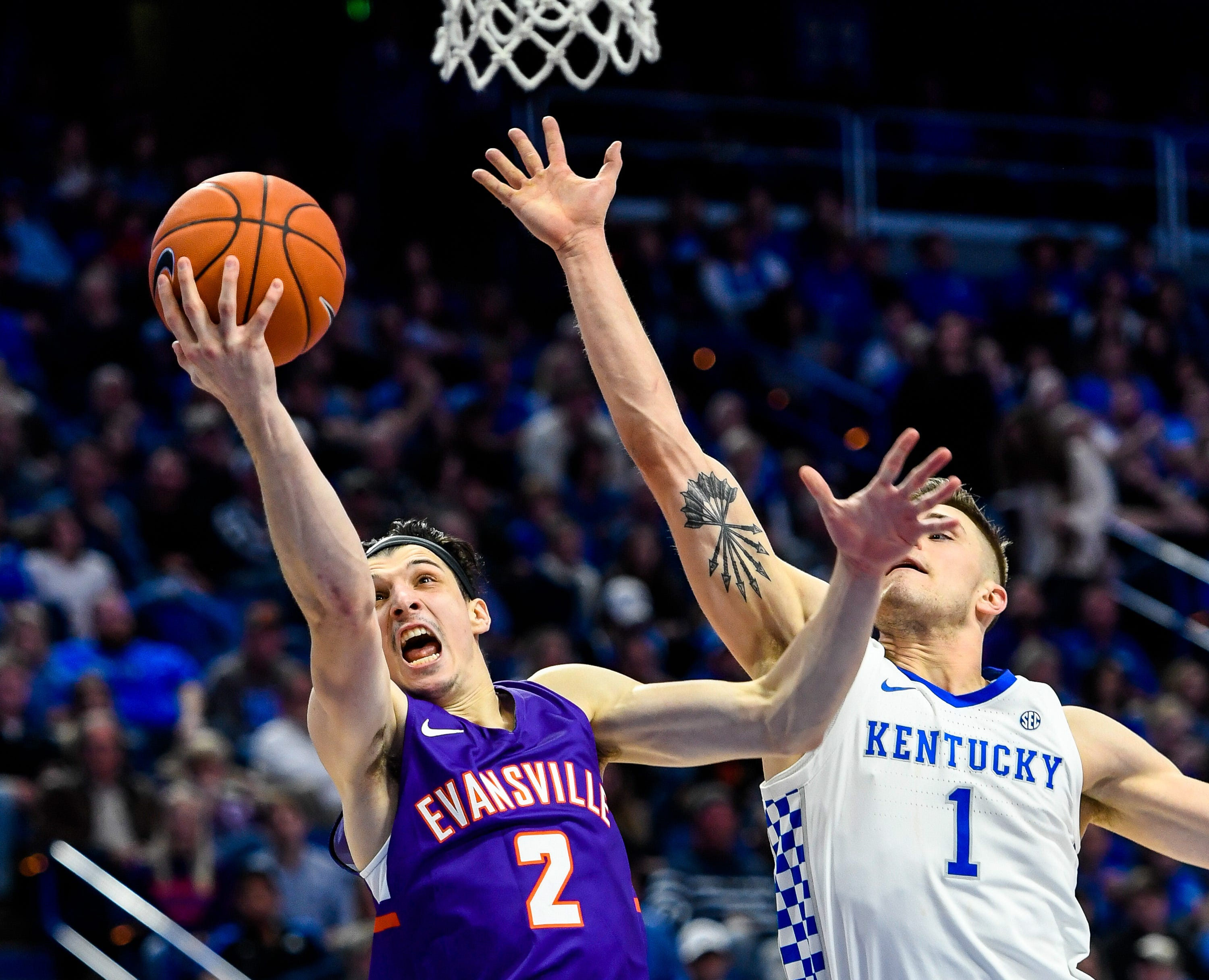 At The Buzzer Evansville Basketball Upsets No 1 Ranked