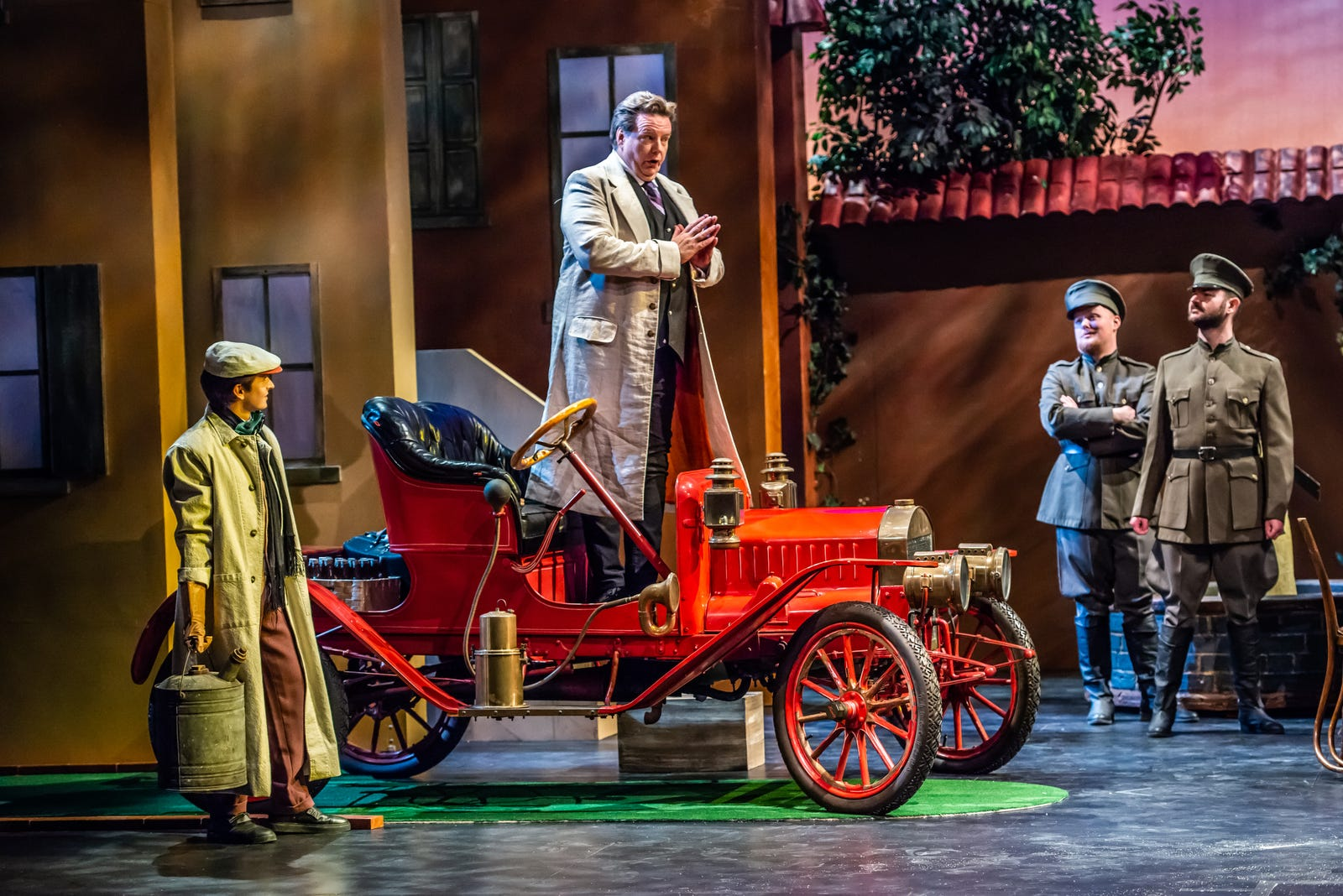 Indianapolis Opera's 'Elixir of Love' features IndyCar driver Zach Veach, vintage car