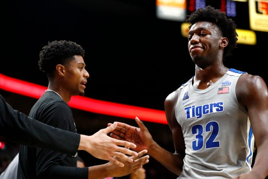 Memphis Tigers center James Wiseman checks out of the game against the Oregon Ducks at the Moda Center in Portland, Ore. on Tuesday, Nov. 12, 2019.