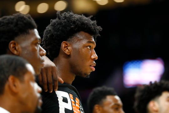 Memphis Tigers center James Wiseman prepares with his teammates to take on the Oregon Ducks before their game at the Moda Center in Portland, Ore. on Tuesday, Nov. 12, 2019.