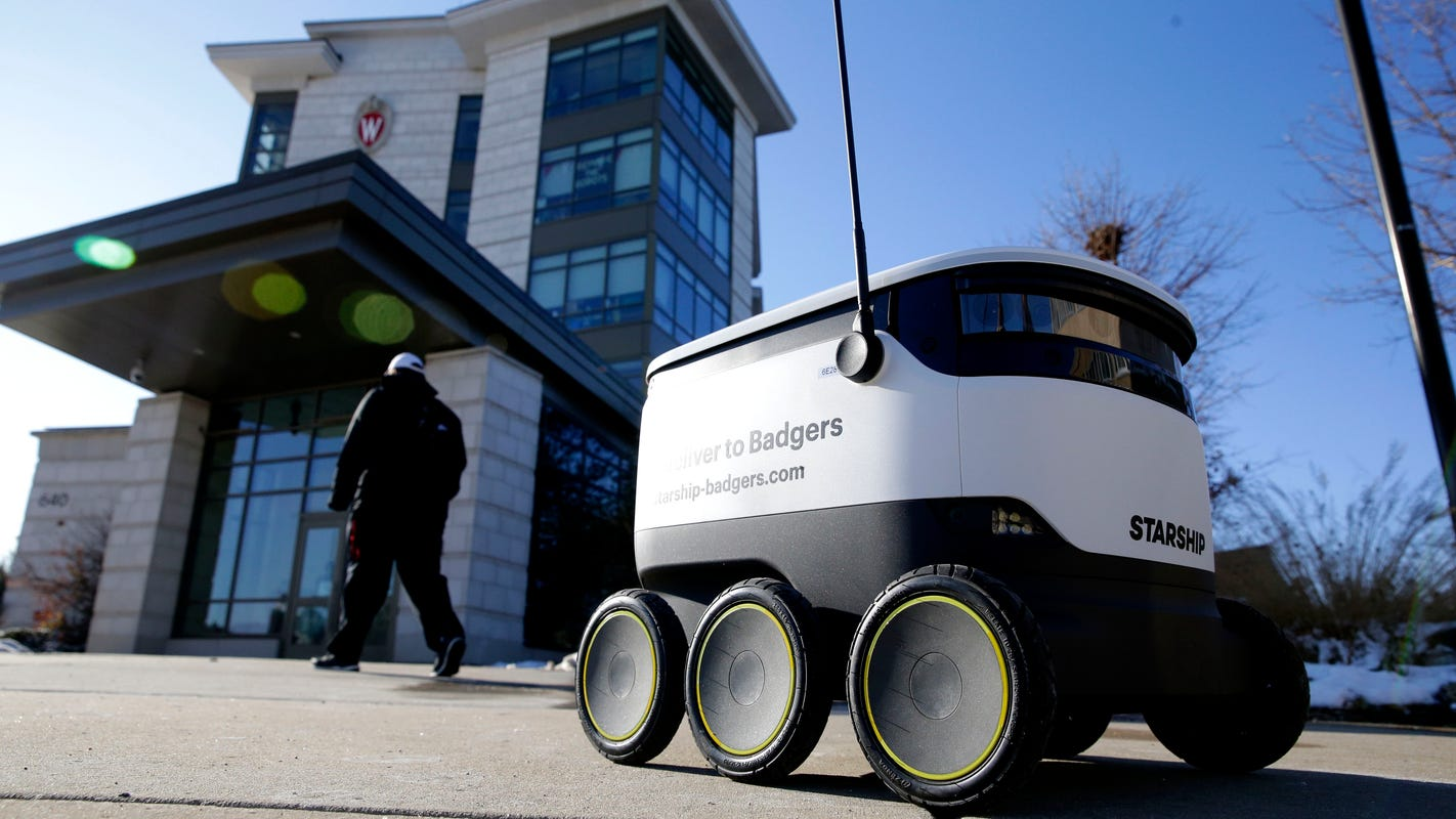 If you're a UW student, the robots are coming for you. And they're bringing food.