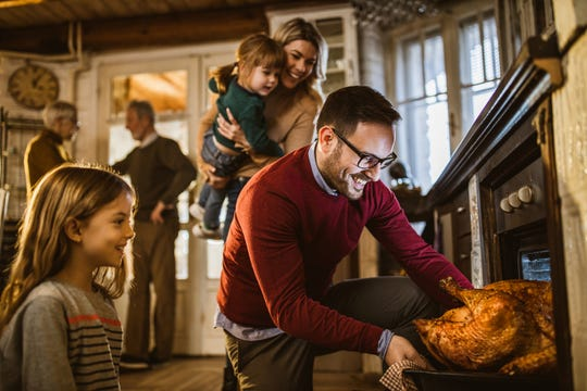 It's time to pass on the frozen bird and go fresh this turkey day. Here's five reasons why.