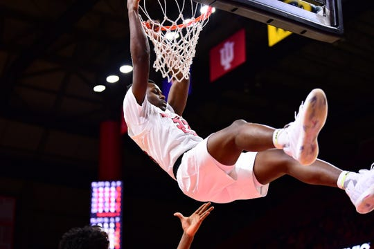 Montez Mathis dunks for Rutgers against Drexel