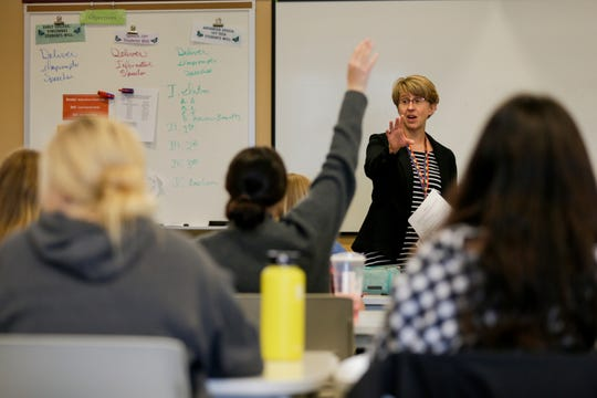 A federal report card of Indiana's public schools was released Friday morning.