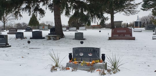 St. Anthony's Cemetery, N74W13604 Appleton Ave., Menomonee Falls, had 27 vases stole from graves in early November.