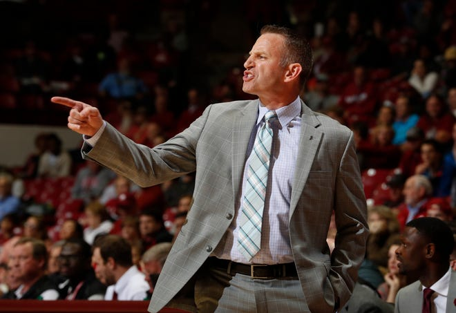 Alabama head men's basketball coach Nate Oats talks to his team during Monday night's 78-59 win over Florida Atlantic on Nov. 11, 2019 from Coleman Coliseum in Tuscaloosa.