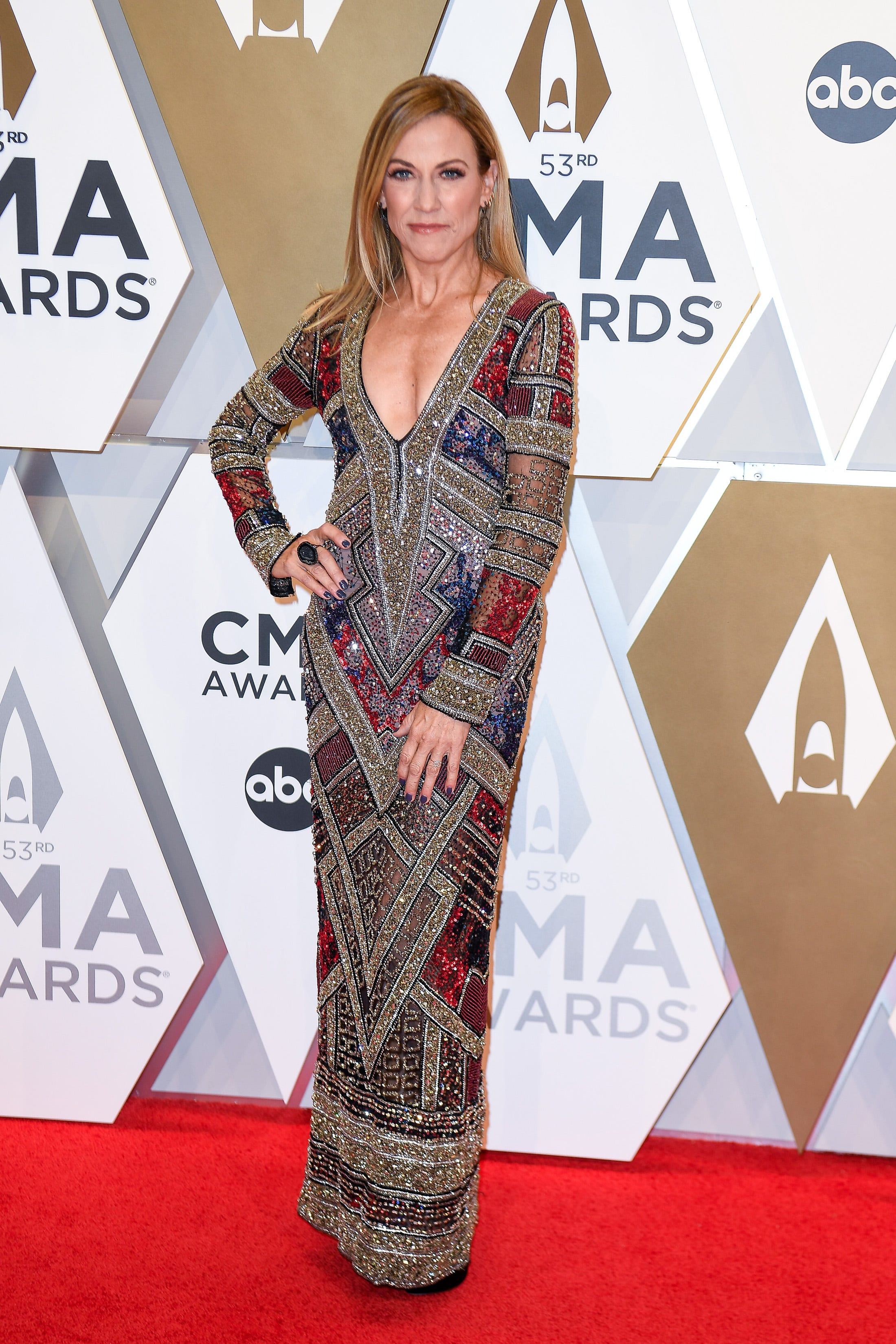 Sheryl Crow s Nashville clothing sale will also help tornado relief