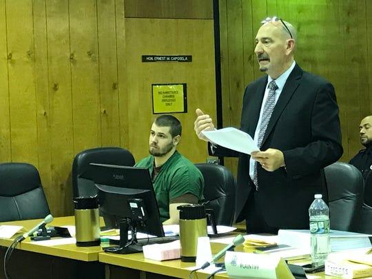 Jason Vanderee ( L ), with his attorney, John Latoracca on Thursday.