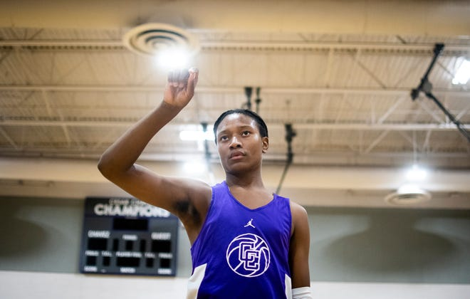 Caesar Chavez guard TyTy Washington looks for a pass during basketball practice at Caesar Chavez High School in Laveen on Nov. 6, 2019.