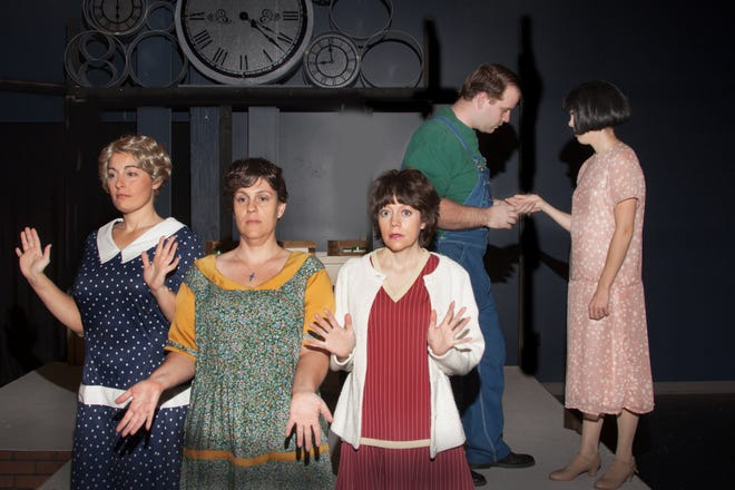 """Sarah Bolger, Sara Gales, Angel Pritts, Dan Griffin and Brooke Patterson rehearse a scene in """"These Shining Lives"""" at DreamWrights Center for Community Arts."""