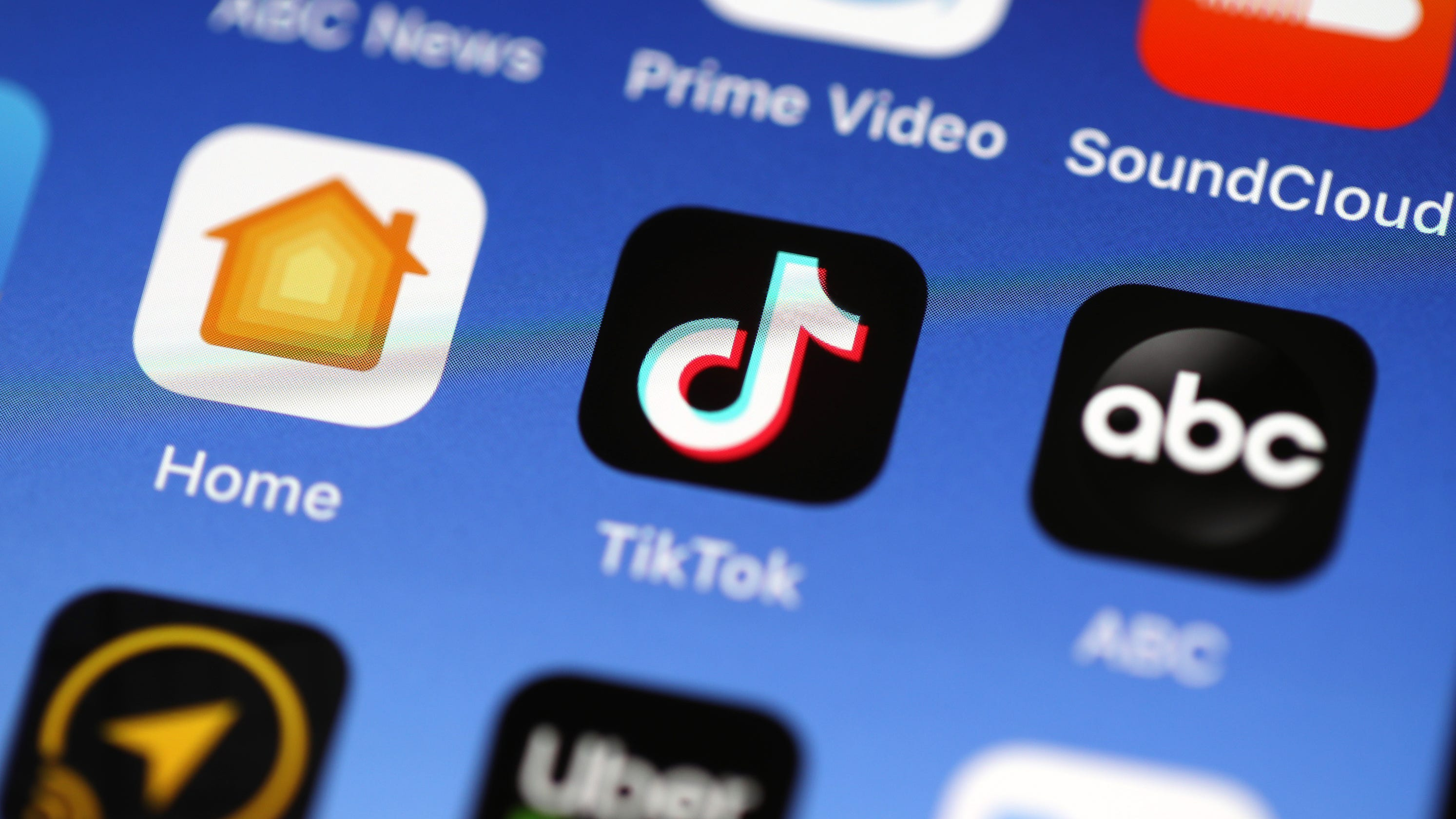 TikTok apologizes after claims it blocked #BlackLivesMatter, George Floyd posts - USA TODAY