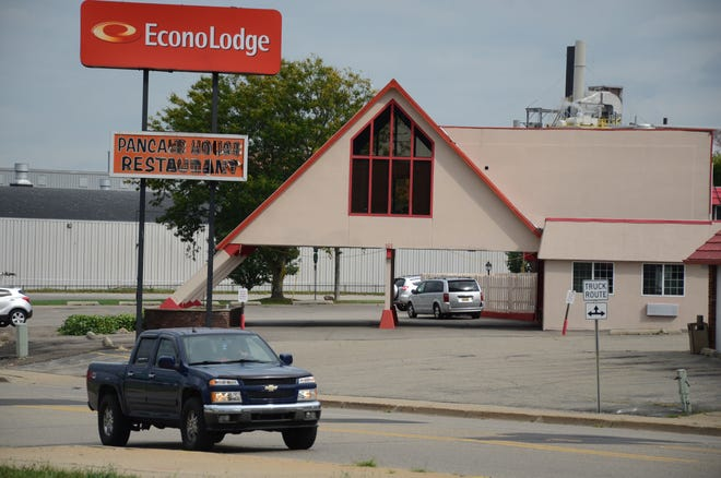 The Econo Lodge at 165 Capital Ave. S.W. will close in December.