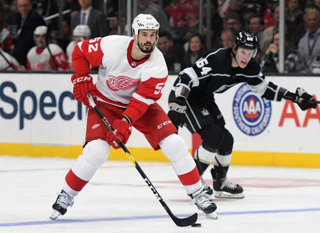 Detroit Red Wings defenseman Jonathan Ericsson moves the puck during Thursday night's loss to Los Angeles.