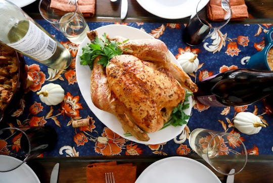 A Thanksgiving dinner presentation