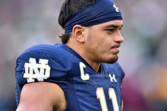 "Notre Dame safety Alohi Gilman ""is a natural born leader,"" says senior cornerback Troy Pride Jr."