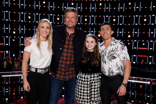 "THE VOICE -- ""Live Top 20 Results"" Episode 1715B  -- Pictured: (l-r) Cali Wilson, Blake Shelton, Kat Hammock, Ricky Duran -- (Photo by: Trae Patton/NBC)"