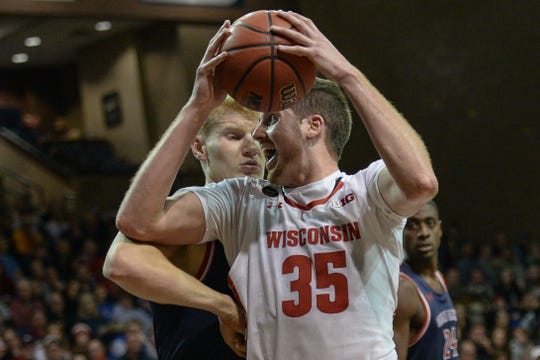 A stronger, more experienced Nate Reuvers appears ready to be the Badgers' go-to big man with Ethan Happ gone.