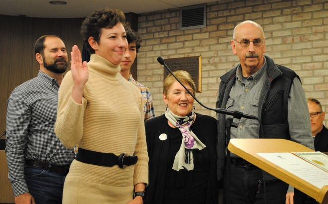 Sara Bowman was sworn in as a Farmington council member on Nov. 14 and was elected the city's new mayor later that night.