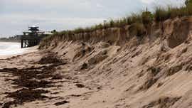 Bathtub Reef Beach closed by high surf, erosion