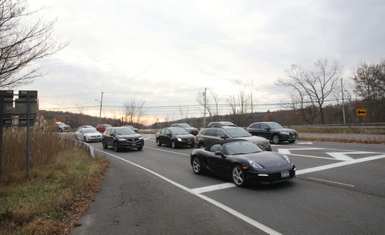 Traffic at the red light at the intersection of Route 120 and 22 on Nov.14, 2019, one of 10 lights on the alternate route between Exit 2 and 3 on I-684. Connecticut lawmakers could soon consider Gov. Ned Lamont's plan to turn its 1.3-mile stretch of I-684 into a toll road.