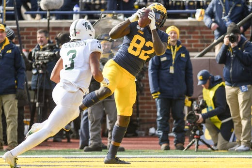 Michigan State football fans give up hope as Michigan's lead grows