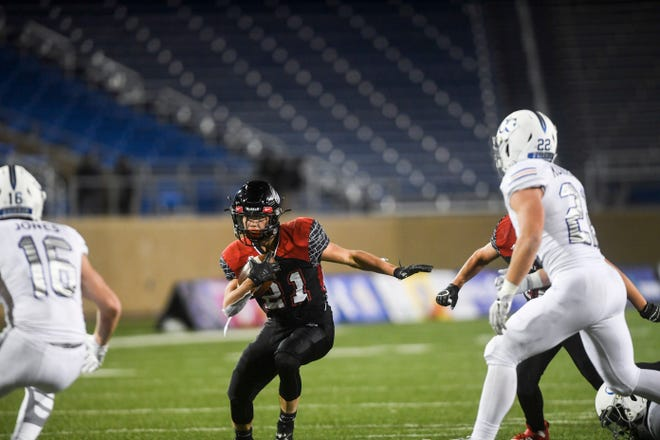 Brandon Valley's Tate Johnson (21) runs the ball in the Class 11AAA state championship against O'Gorman on Friday, Nov. 15, 2019, at Dana J. Dykhouse Stadium in Brookings, S.D.