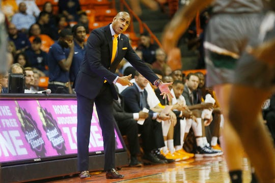 UTEP head coach Rodney Terry talks to the team during the game against Eastern New Mexico Friday, Nov. 15, at the Don Haskins Center in El Paso.