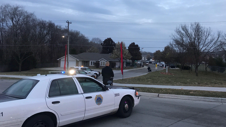Gunman in custody after an hours-long standoff on Des Moines east side - Des Moines Register