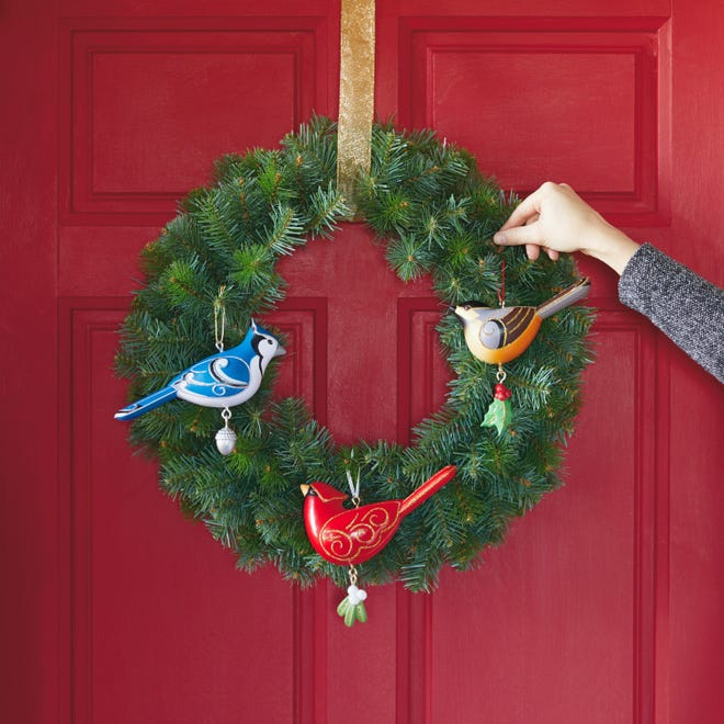 The first ever set of artist-crafted outdoor Keepsake Ornaments debuted this October that are weather safe and shatter resistant. The ornament collection features a set of three oversized birds, perfect for outdoor display in the yard or front door. Also available for purchase is a Keepsake Outdoor Wreath sold separately.
