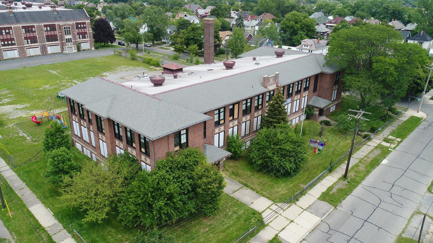 Detroit charter school moves into refurbished building