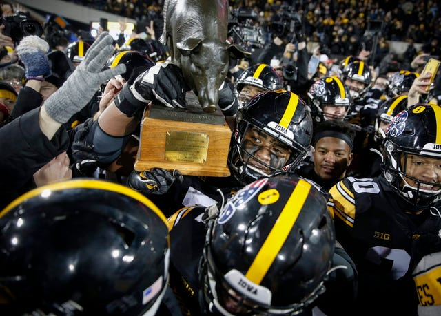College Football Photos No 22 Iowa Hawkeyes 23 No 7