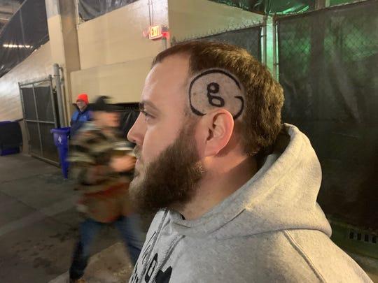 Garth Brooks logo ... in hair