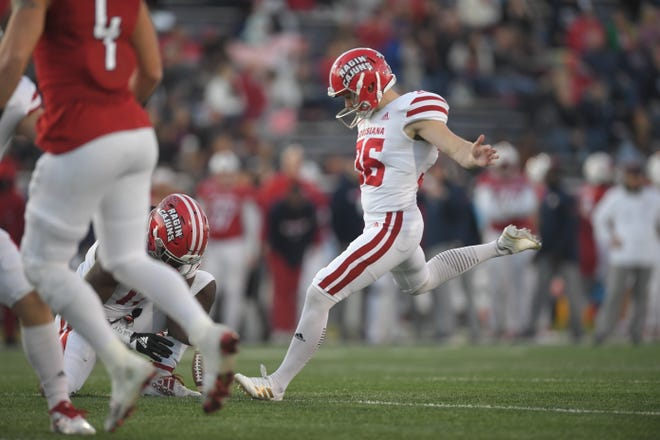Stevie Artigue's third-quarter field goal made him the Ragin Cajuns' career leader in made field goals with 46, passing Brett Baer and ex-NFL kicker John Roveto.
