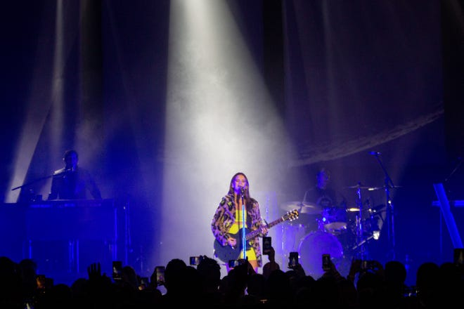 Maren Morris performs at a sold-out Eagles Ballroom at the Rave on Nov. 15, 2019.