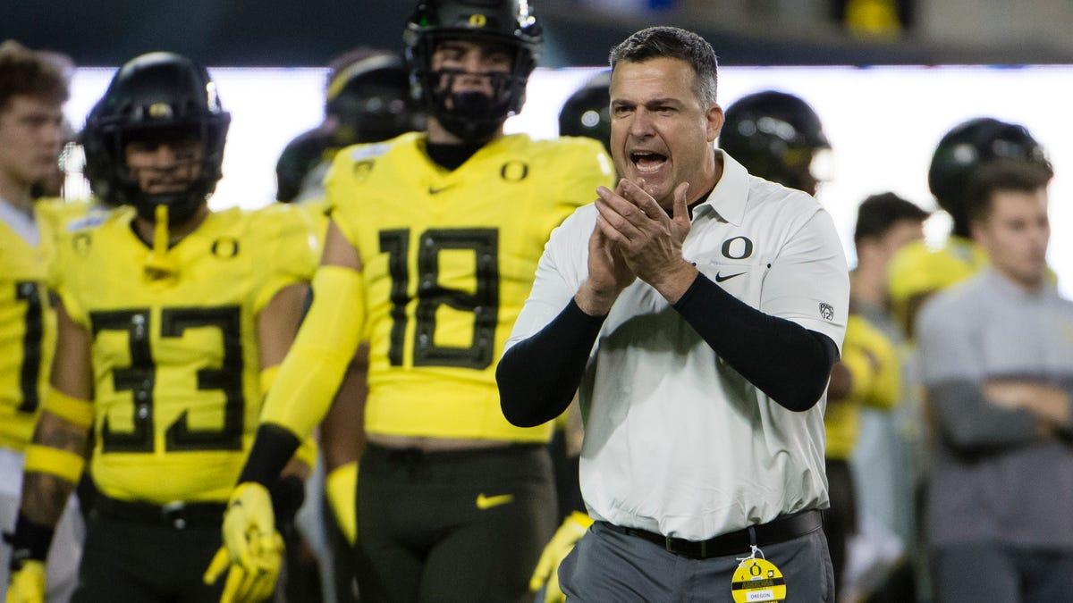 Oregon Ducks Football 2021 Recruiting Class Ranked Top In Ncaa Polls