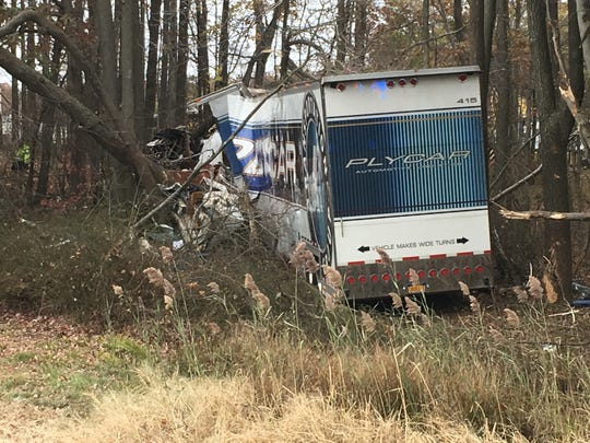 A tractor trailer and an SUV crashed on I-95 south on Sunday morning.