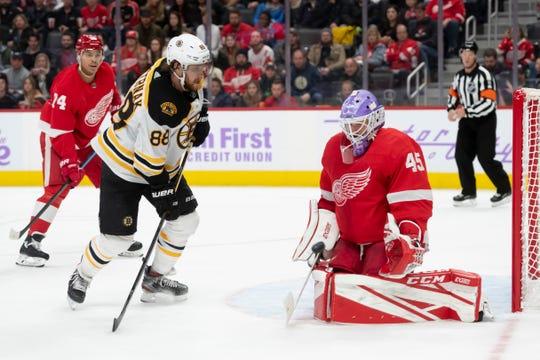 Red Wings goaltender Jonathan Bernier (45) helped Detroit dump Boston this month.