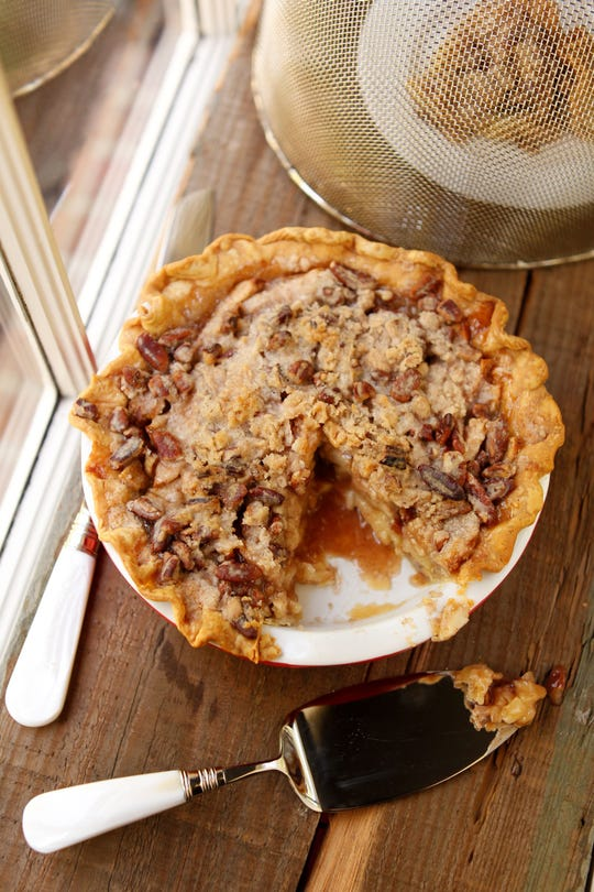 Just in time for Thanksgiving! Food & Dining Reporter Jennifer Chandler shares her Apple-Cranberry Crumble Pie recipe.