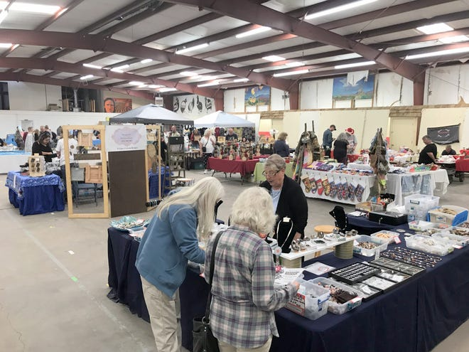 The Deming Gem & Mineral Society unofficially opened the holiday crafts fair season when a two-day event on Nov. 9-10 at the Southwestern New Mexico State Fairgrounds located in Deming's Industrial Park, 4200 Raymond Reed Blvd. The fair filled two fair buildings with holiday craft ideas, holiday gift items and handmade jewelry. The fair was well attended and served as a prelude and fundraiser for the DG&MS 55th annual Rockound Roundup which is held annually during the second weekend in March.