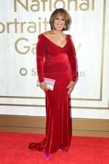 Gayle King dons a dress that she says is a little too snug.