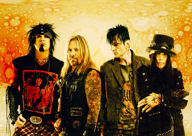 Motley Crue is back together.