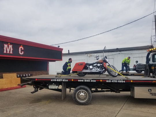 Evansville Police along with officers from several federal agencies were executing a search warrant at the Grim Reapers Motorcycle Club on Diamond Avenue in Evansville.