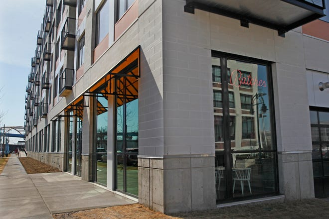 A restaurant called Cavas, serving Spanish sparkling wines, tequilas and tapas, is in the works at 401 E. Erie St., the former site of Batches bakery. The restaurant might still open this year.